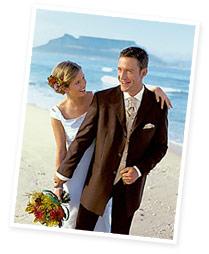 u nás si vyberete ze široké nabídky svatebních a společenských šatů na  prodej i k vypůjčení ... 56c883dae1a